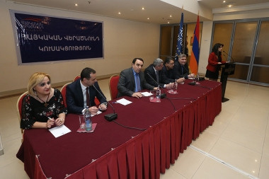 Leader of the 'Armenian Renaissance' party Artur Baghdasaryan holds a pre-election meeting at Ani Plaza Hotel - Photolure News Agency