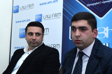 Member of 'Elq' Alliance Alen Simonyan and member of 'Yerkir Tsirani' Tigran Poghosyan are guests in Blitz Info press club - Photolure News Agency