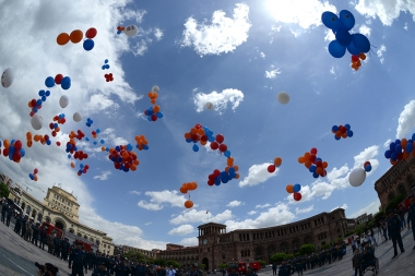 An event initiated by the RA Ministry of Emergency Situations under the slogan of 'May 911' took place on Republic Square of Yerevan, Armenia - Photolure News Agency