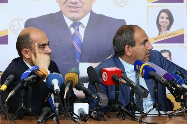 MPs Nikol Pashinyan and Edmon Marukyan gave a press conference at the Central Office of 'Elq' Alliance - Photolure News Agency