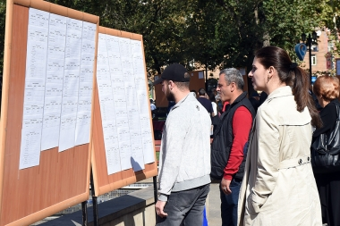 A job fair is organized by over 60 employers for 965 vacancies near the park of Nalbandyan-Hanrapetutyan streets - Photolure News Agency