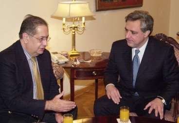 Armenian Foreign Minister Vartan Oskanian received OSCE Acting Chairman Jaime Gama - Photolure News Agency