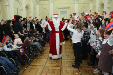 RA President Serzh Sargsyan attended a festive event organized for children at the RA Presidential Residence - Photolure News Agency