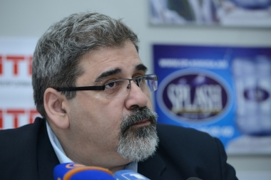 ARF Bureau's member Giro Manoyan spoke about Armenia's foreign challenges in Armenpress press club - Photolure News Agency