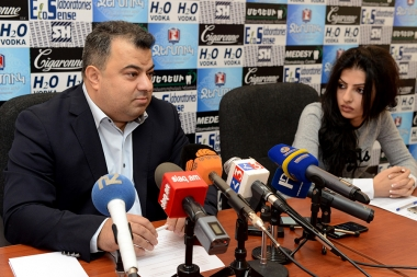 President of the Union of Communities of Armenia Emin Yeritsyan summarized the results of the local elections held on November 5 as a result of the enlargement of the communities and addressed the advantages and disadvantages of community consolidation in P.S. press club - Photolure News Agency