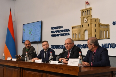 A press conference dedicated to the launch of the 'Clean Armenia' program, social-advocacy initiative took place at the RA Governemnt's press center - Photolure News Agency
