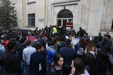 This is the third day since the students of the institutions of higher education hold a strike action against the law on conscription second - Photolure News Agency