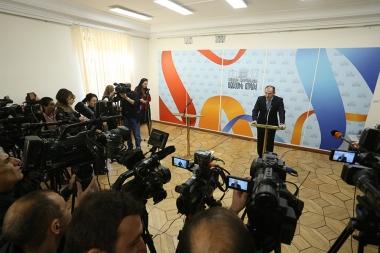 RA Minister of Finance Vardan Aramyan gives a press conference at the RA National Assebmly - Photolure News Agency