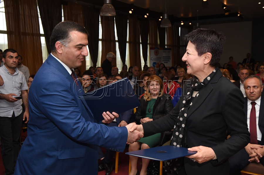 An Agreement On Social Cooperation Is Signed At Erebuni Plaza