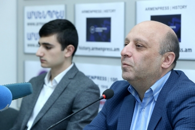 Grandmaster, European U18 champion Manuel Petrosyan and his coach Arsen Yeghizaryan are guests at 'Armenpress' news agency - Photolure News Agency