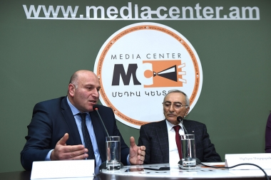 Rector of the Armenian State Academy of Management Arsen Lokyan and Director of the International Center for Ethical Education of RA NAS Albert Sargsyan are guests at the Media Center - Photolure News Agency