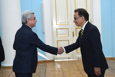 RA President Serzh Sargsyan receives the credentials of the newly appointed Ambassador of Brazil to Armenia - Photolure News Agency