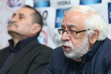 Editor of 'Azg' newspaper Hakob Avetikyan and politician, writer, publicist Gurgen Yeghiazaryan are guests in Tesaket press club - Photolure News Agency