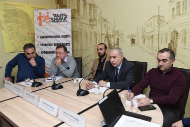 A public discussion on the topic of the 'Greater concentration of power. Why is super-prime-state՛ system established in Armenia' took place in 'Article 3' press club - Photolure News Agency
