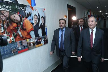 Presidential candidate Armen Sargsyan pays a visit to the Hayastan All-Armenian Fund - Photolure News Agency