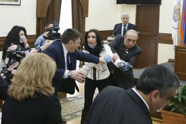 Yerevan City Council session takes place in a tense atmosphere - Photolure News Agency