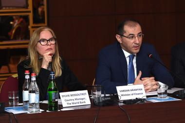 RA Minister of Finance Vardan Aramyan and World Bank Country Manager for Armenia Sylvie Bossoutrot and a number of international and local experts gave a press conference at the Armenia Marriott Hotel - Photolure News Agency