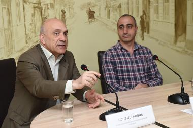 Chairman of the Committee For Protection of Freedom of Speech Ashot Melikyan and editor of media.am website Gegham Vardanyan are guests in 'Article 3' press club - Photolure News Agency