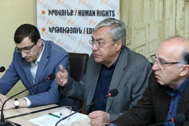 Former President of the Central Bank of Armenia Bagrat Asatryan, Head of 'Alternative' Analytical Center, Doctor of Economics Tatul Manaseryan and economist Mesrop Arakelyan are guests in 'Article 3' press club - Photolure News Agency