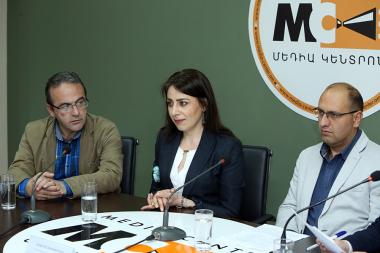 Head of the Helsinki Citizens' Assembly Vanadzor Office Artur Sakunts, Helsinki Committee Attorney Robert Revazyan and head of 'Rights Protection Without Borders' NGO Haykuhi Harutyunyan are guests at the Media Center - Photolure News Agency