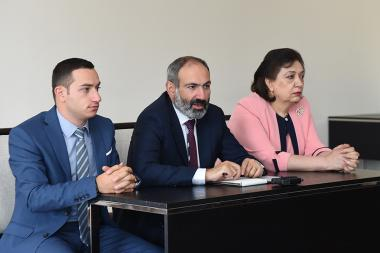 RA Prime Minister Nikol Pashinyan presented newly appointed Minister of Diaspora Mkhitar Hayrapetyan - Photolure News Agency
