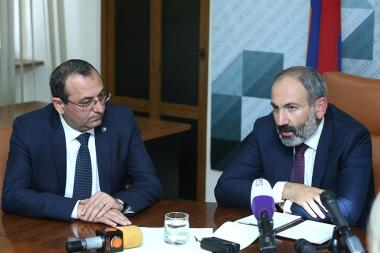RA Prime Minister Nikol Pashinyan presented newly appointed Minister of Economic Development and Investments Artsvik Minasyan - Photolure News Agency