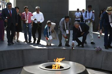 Three heroes of the 'Aurora' Prize Sunitha Krishnan, Tomas Gonzalez and Castillo Kyaw Hla Aung paid a visit to the Armenian Genocide memorial - Photolure News Agency