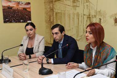 Head of Yerevan City Council's 'Yelq' faction Davit Khajakyan and members of the same faction Ani Samsonyan and Tehmina Vardanyan are guests in 'Article 3' press club - Photolure News Agency