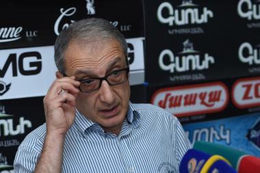 Lawyer Pargev Ohanyan is guest in Hayeli press club - Photolure News Agency