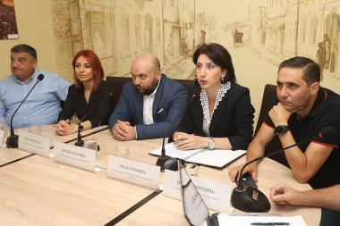 A public discussion on the topic of the 'Yerevan garbage collection issues' took place in 'Article 3' press club - Photolure News Agency