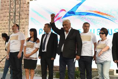 Pre-election campaign of the Prosperous Armenia Party ahead of the mayoral elections in Yerevan started from Davtashen District of Yerevan, Armenia - Photolure News Agency