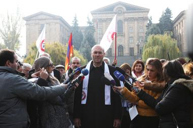 Members of 'Sasna Tsrer' party hold their pre-election campaign ahead of the snap parliamentary elections in Armenia from the park of the RA National Assembly - Photolure News Agency
