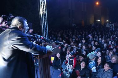 Members of Prosperous Armenia Party hold their pre-election campaign ahead of the snap parliamentary elections in Armenia, Abovyan city, Kotayk Province - Photolure News Agency