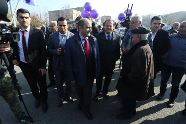 Candidate from 'Bright Armenia' party Edmon Marukyan met the residents of Masis, Ararat Province, Armenia - Photolure News Agency