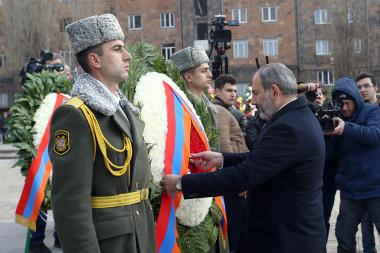 Acting RA Prime Minister Nikol Pashinyan lays flowers commemorating the 30th anniversary of Spitak's earthquake at the Earthquake Victim Monument of Gyumri, Shirak Province - Photolure News Agency
