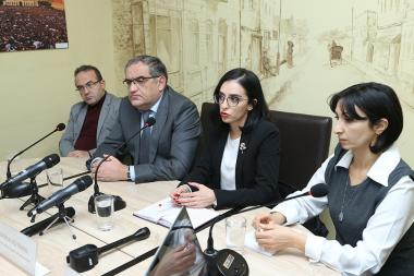 RA Deputy Minister of Justice Vigen Kocharyan, head of Helsinki Citizens' Assembly Vanadzor Office Artur Sakunts and human rights activist Zara Hovhannisyan are guests in 'Article 3' press club - Photolure News Agency