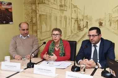RA Deputy Minister of Education and Science Hovhannes Hovhannisyan, Executive Director of Open Society Foundations-Armenia Larisa Minasyan and education expert Serob Khachatryan are guests in 'Article 3' press club - Photolure News Agency