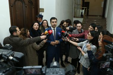 Member of the RA second president Robert Kocharyan's legal team Aram Orbelyan holds a briefing - Photolure News Agency