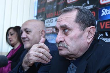 Former MPs Stepan Margaryan and politician Gurgen Yeghiazaryan are guests in Hayeli press club - Photolure News Agency