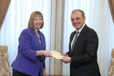 RA Minister of Foreign Affairs Zohrab Mnatsakanyan received credentials from the newly appointed Ambassador of the U.S. to Armenia Lynne Tracy - Photolure News Agency