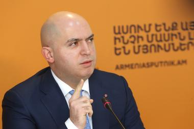 RPA Deputy Chairman Armen Ashotyan spoke about the foreign policy and national security during a press conference at the Sputnik Armenia press center - Photolure News Agency