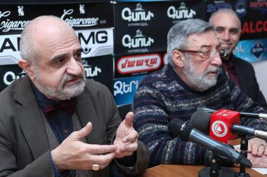 Artistic director of Yerevan State Puppet Theater Ruben Babayan, actor of Sos Sargsyan National Theater Karen Khachatryan and director Nikolay Tsaturyan are guests in Hayeli press club - Photolure News Agency