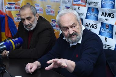Architect Hrachya Poghosyan, RA Honored Artist Haghtanak Shahumyan are guests in Tesaket press club - Photolure News Agency