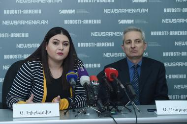 Candidate of political sciences, associate professor Angela Elibegova and international law expert, lawyer Ara Ghazaryan gave a press conference at Novosti-Armenia press center - Photolure News Agency