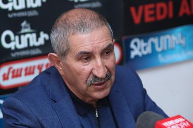 Chairman of the Union of Freedom Fighters Gagik Melkonyan are guest in Hayeli press club - Photolure News Agency