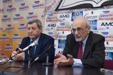 Chairman of Domestic Commodity Producers' Union Vazgen Safaryan and chairman of Consumers' Union Armen Poghosyan are guests in Tesaket press club - Photolure News Agency