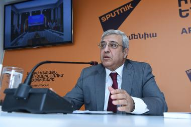 Director of Matenadaran Vahan Ter-Ghevondyan gave a press conference at the Sputnik Armenia press center - Photolure News Agency