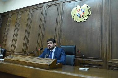 RA NA deputy Arman Yeghoyan presented the details of the conference organized by the Romanian Parliament in Bucharest at the RA National Assembly - Photolure News Agency