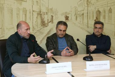 Political commentators Armen Baghdasaryan, Hakob Badalyan and political scientist Edgar Vardanyan are guests in 'Article 3' press club - Photolure News Agency