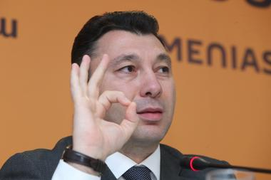 Supreme body member of the Republican Party of Armenia (RPA) Eduard Sharmazanov gave a press conference at Sputnik Armenia press center - Photolure News Agency
